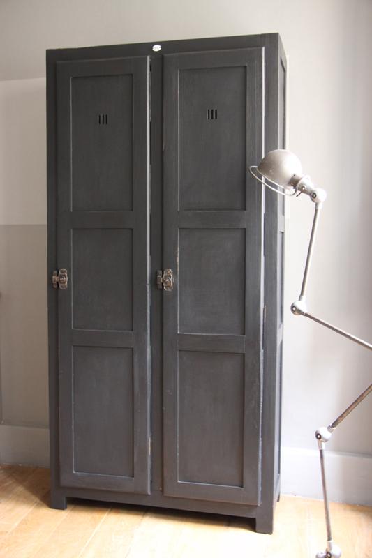 vestiaire double d imprimerie petite belette. Black Bedroom Furniture Sets. Home Design Ideas