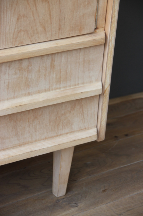 buffet vintage bois clair petite belette. Black Bedroom Furniture Sets. Home Design Ideas