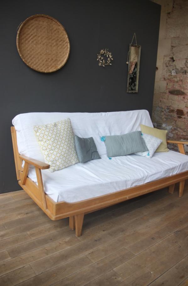 canap banquette vintage petite belette. Black Bedroom Furniture Sets. Home Design Ideas