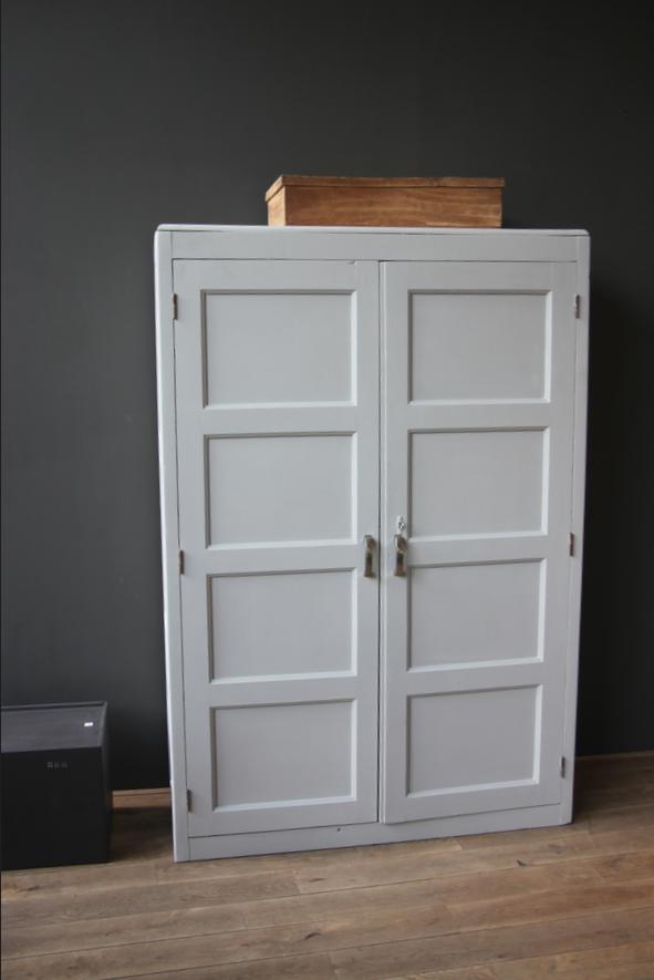 armoire de pensionnat petite belette. Black Bedroom Furniture Sets. Home Design Ideas
